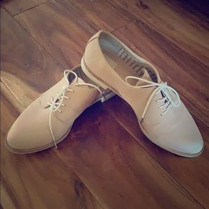 Dolce Vita Tan/Blush Oxford Shoes 7.5